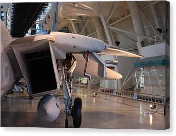 Udvar-hazy Center - Smithsonian National Air And Space Museum Annex - 121239 Canvas Print by DC Photographer