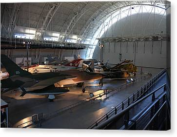 Udvar-hazy Center - Smithsonian National Air And Space Museum Annex - 12125 Canvas Print by DC Photographer