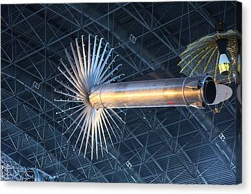 Udvar-hazy Center - Smithsonian National Air And Space Museum Annex - 121262 Canvas Print by DC Photographer