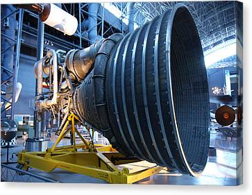 Udvar-hazy Center - Smithsonian National Air And Space Museum Annex - 121268 Canvas Print by DC Photographer