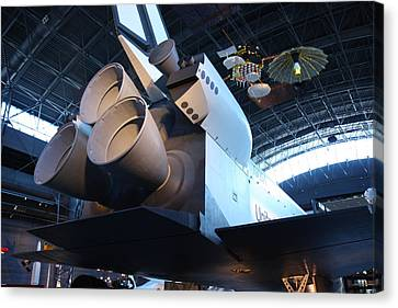 Udvar-hazy Center - Smithsonian National Air And Space Museum Annex - 121272 Canvas Print by DC Photographer