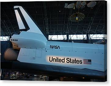 Udvar-hazy Center - Smithsonian National Air And Space Museum Annex - 121276 Canvas Print by DC Photographer