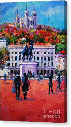 Un Dimanche A Bellecour Canvas Print by Mona Edulesco