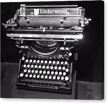 Underwood Typewriter Canvas Print by Dan Sproul