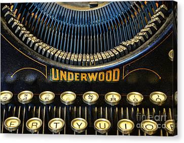 Underwood Typewriter Canvas Print by Paul Ward