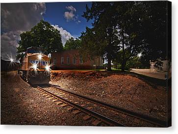 Union Pacific 7917 Train Canvas Print by Linda Unger