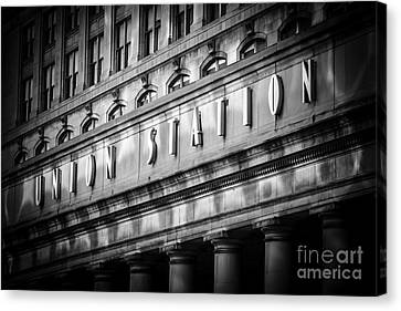 Union Station Chicago Sign In Black And White Canvas Print by Paul Velgos