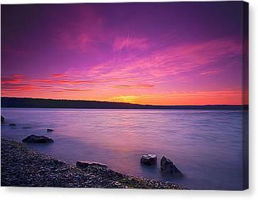 Sunrise In Cayuga Lake II Ithaca New York Canvas Print by Paul Ge