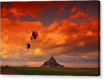 Up Up And Away Canvas Print by Midori Chan