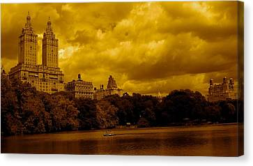 Upper West Side And Central Park Canvas Print by Monique Wegmueller