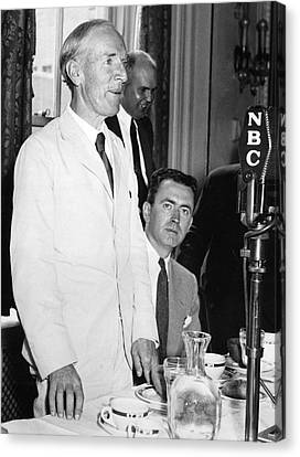 Upton Sinclair At Press Club Canvas Print by Underwood Archives