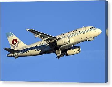 Us Airways Airbus A319-132 N828aw America West Legacy Phoenix Sky Harbor December 24 2014  Canvas Print by Brian Lockett
