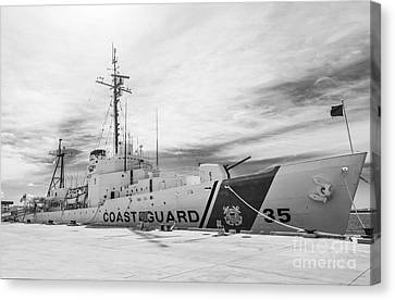 Us Coast Guard Cutter Ingham Whec-35 - Key West - Florida - Black And White Canvas Print by Ian Monk
