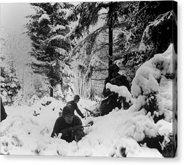 Tntar Canvas Print - U.s. Infantrymen Of The 290th Regiment by Everett