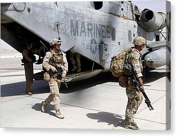 U.s. Marines And British Soldiers Exit Canvas Print by Stocktrek Images