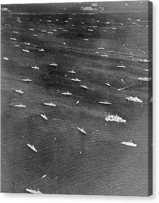 U.s. Navy Wwii Task Force Canvas Print by Underwood Archives