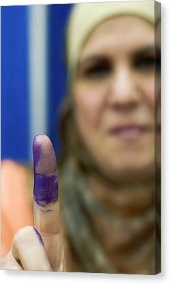 Iraq Canvas Print - Us-resident Iraqi Votes In Iraq Election by Jim West