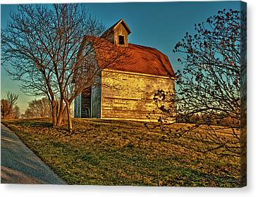 Usa, Indiana, Rural Scene Of Red-roofed Canvas Print by Rona Schwarz