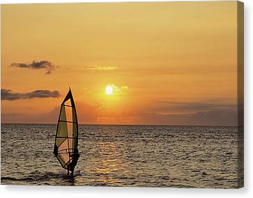 Usa, Maui, Hawaii, Sunset, Windsurfing Canvas Print by Gerry Reynolds