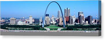 Usa, Missouri, St. Louis, Gateway Arch Canvas Print by Panoramic Images