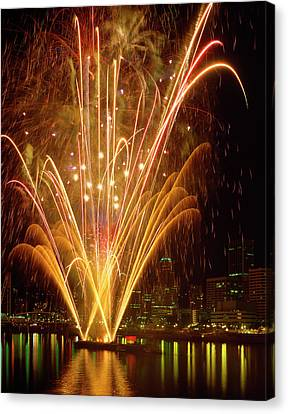 Usa, Oregon, Portland, Independence Day Canvas Print by Jaynes Gallery