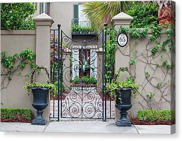 Usa, Sc, Charleston, Historic District Canvas Print by Rob Tilley