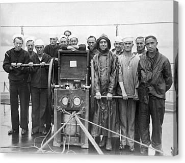 Uss Pennsylvania Dive Crew Canvas Print by Underwood Archives