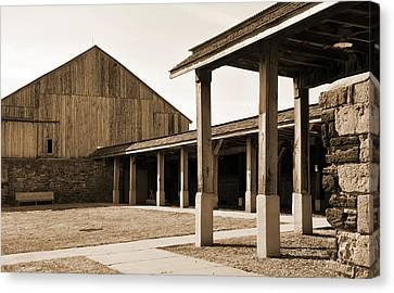 Canvas Print featuring the photograph Vacant by Kirt Tisdale