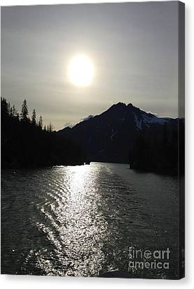 Canvas Print featuring the photograph Valdez Water's by J Ferwerda