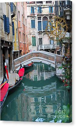 Venice Canal And Buildings Canvas Print