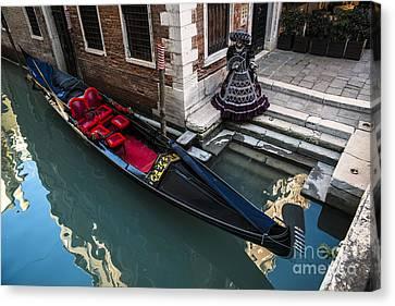 Venice Carnival '15 Canvas Print by Yuri Santin