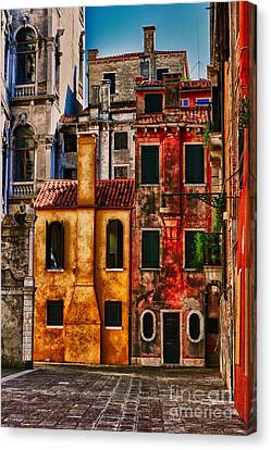 Canvas Print featuring the photograph Venice Homes by Jerry Fornarotto