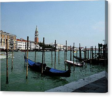Venice Italy Gondola View On Doge Palace Canvas Print