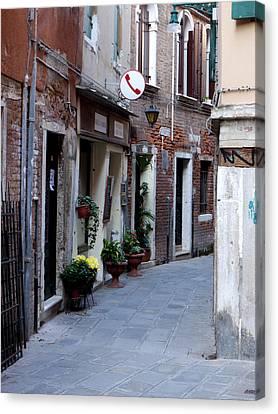 Venetian Alleyway Canvas Print by Rae Tucker