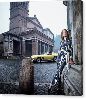 Leaning Canvas Print - Veruschka Von Lehndorff Standing In Piazza Di San by Franco Rubartelli