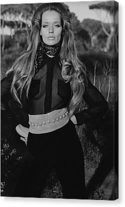 Veruschka Von Lehndorff Wearing A Wearing A Vogue Canvas Print