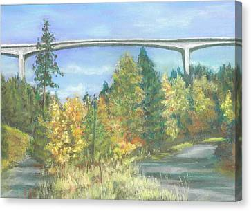 Veterans Memorial Bridge In Coeur D'alene Canvas Print by Harriett Masterson