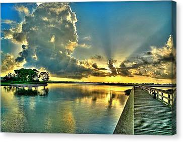 Veterans Pier Sunrise Canvas Print by Ed Roberts
