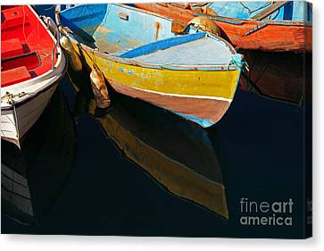 Vibrancy At Puerto De Morgan. Canvas Print by Pete Reynolds
