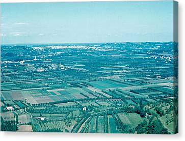 Vicenza Italy 1962  Canvas Print by Cumberland Warden