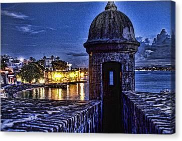 Viejo San Juan En La Noche Canvas Print