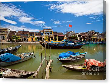 Canvas Print - Vietnamese Boats In Hoi An Vie by Fototrav Print