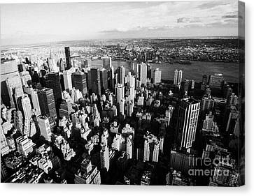View North East Of Manhattan Queens East River From Empire State Building Canvas Print by Joe Fox