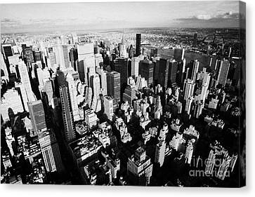 View North East Of Manhattan Queens East River From Observation Deck Empire State Building Canvas Print by Joe Fox