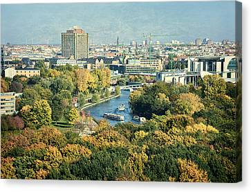 View Of Berlin / Autumn Canvas Print by Gynt
