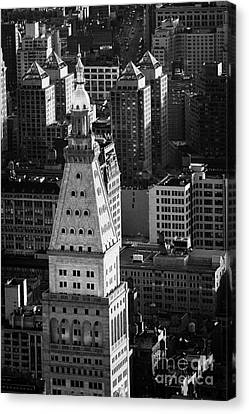 View Of Metropolitan Life Insurance Corp Tower Building New York City Canvas Print by Joe Fox