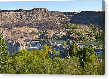 View Of Shoshone Falls In Twin Falls Canvas Print by Panoramic Images