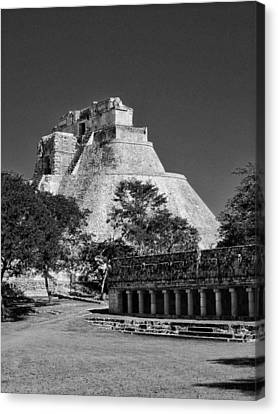 View Of Uxmal 01 Bw Canvas Print by James  Bond