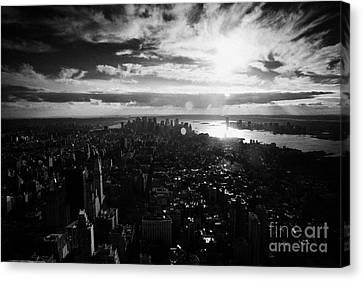 View Over Lower Manhattan At Sunset New York City Usa Canvas Print by Joe Fox