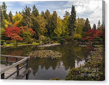 View To The Fall Japanese Garden Canvas Print
